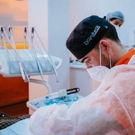Implantologia no Médico dos Dentes